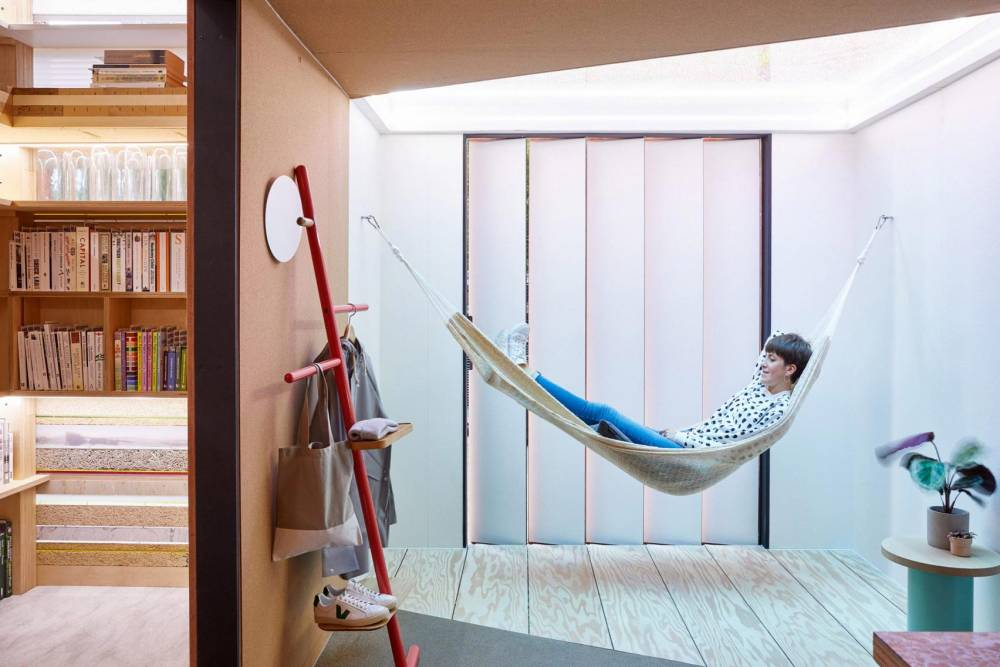 Hammock inside the Urban Cabin